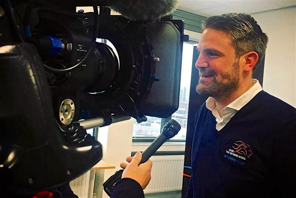 """Simeon Tienpont """"width ="""" 643 """"height ="""" 367 """"data-caption ="""" Simeon Tienpont """">                                                    <p>The fact that in the America's Cup, the drawing of which will take place in 2021, will be attended by the Dutch team, it became known in early December-2018. But there was practically no information about the new applicant. Is that the fact that formed the application of two Dutch yacht club – Royal Netherlands Yacht Club Muiden and Royal Maas Yacht Club.</p> <p>And now, after a month and a half, the details finally became public knowledge. The presentation of the team, which is officially called Team The Netherlands, took place in the city of Schevingen</p> <p>The presentation took place in Schevingen, since it is here that the headquarters of Team The Netherlands is located. Journalists presented a few principled for a team of people. And above all – the two-time winner of the America's Cup, a repeated participant (and skipper) of the Volvo Ocean Race Simeon Tienpont (in the photo). He will be the salamander's skipper, as the Dutch have decided to call their AC75.</p> <p>Another submitted to the journalists Mr. – Dirk Kramer – on the site of Team The Netherlands is called """"the real leader of the team."""" Kramer took part in the seven previous draws of the America's Cup as a designer and engineer.</p> <p>The functions of the chief manager of Team The Netherlands are likely to be performed by Peter van Niekerk, two-time winner of the America's Cup as part of the Swiss Alinghi, participant of the recent Volvo Ocean Race (in the crew of Team AkzoNobel, where the same Tienpont was a skipper).</p> <p>And finally, at the press conference, Carolyn Brower, participant of three Olympics in three different classes of yachts, presented the winner of the latest Volvo Ocean Race in the DongFeng RaceTeam. Thanks to her immense experience, 44-year-old Karolijn, this was especially emphasized, can perform various functions on board – to be a helmsman"""