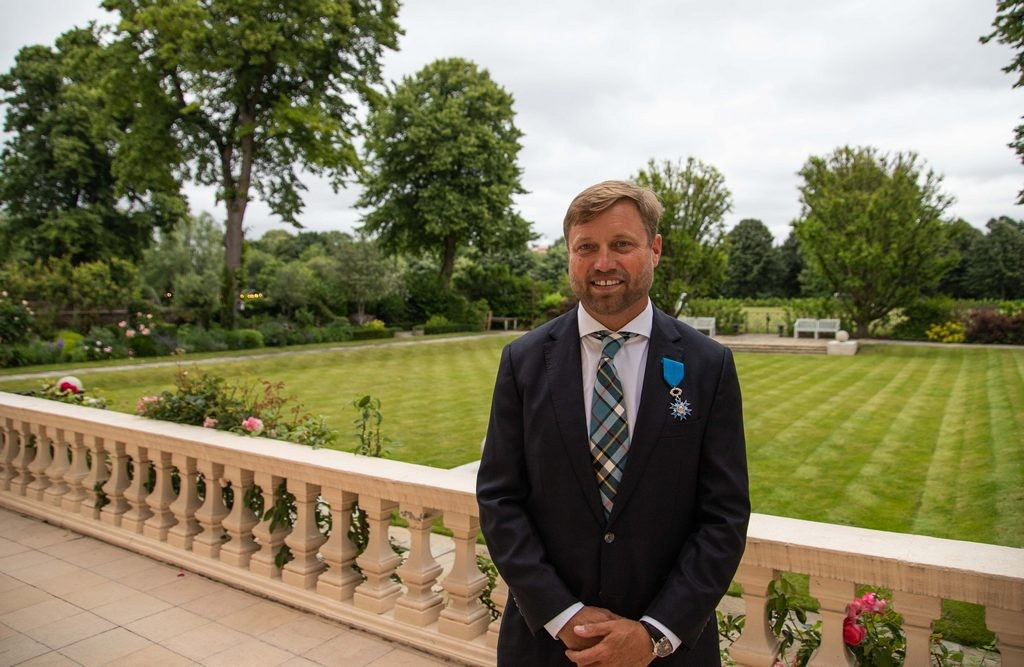 Alex Thomson - Chevalier of the French Order