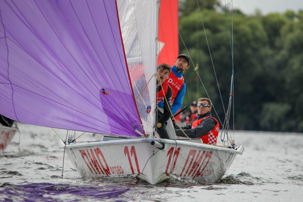 Five races with a steady wind