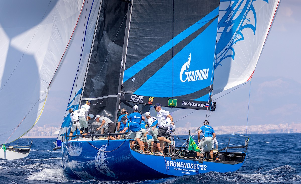"""Battleship"" started in the world championship class TP52 in Mallorca"
