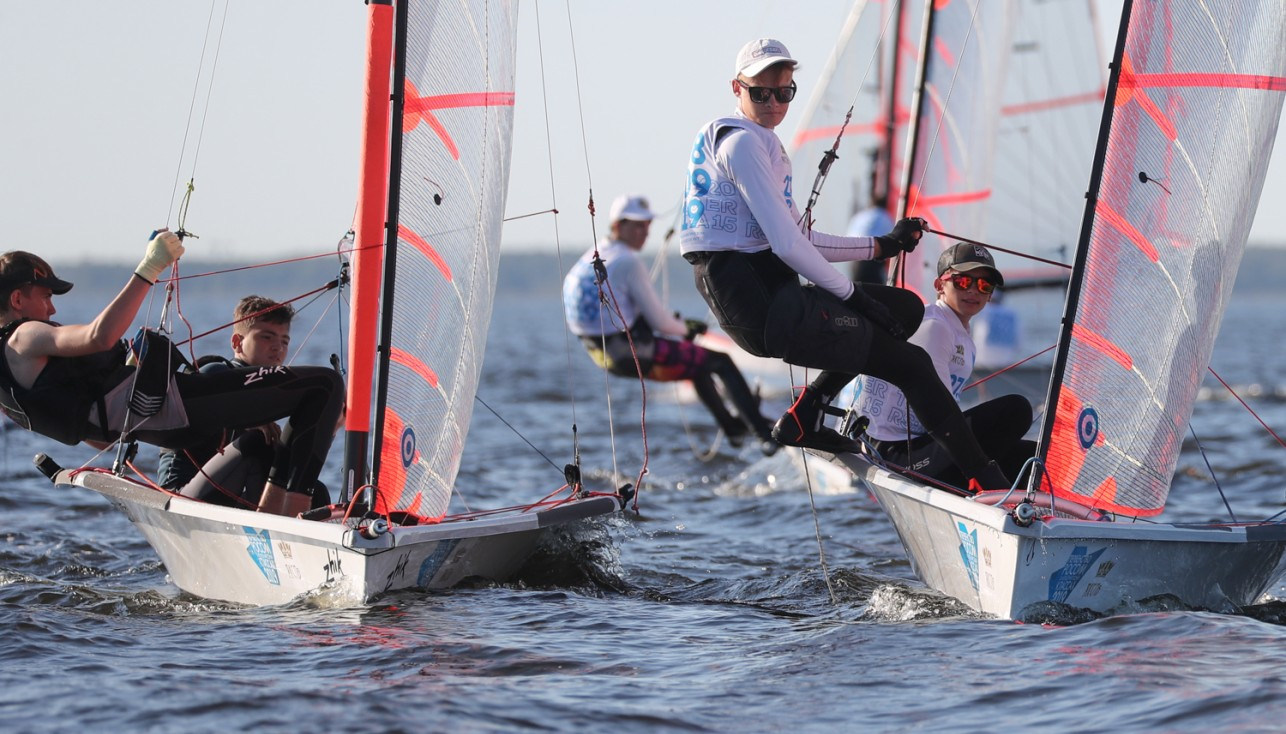 The first races took place at the Russian Championship in sailing in international classes