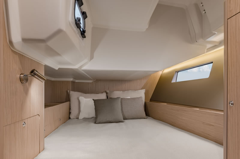 Aft cabin of sailing yacht Oceanis 41.1