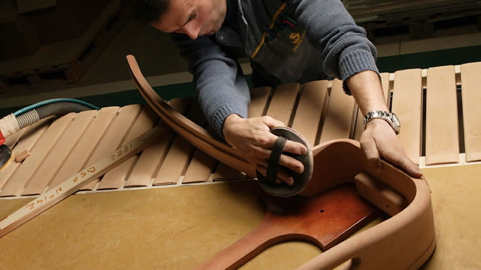 Wood with flexible, rounded lines is mainly used for decorative details