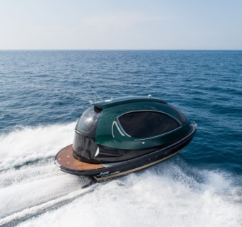 Futurism is 18 square metres: Jet Capsule launched an updated mini-yacht